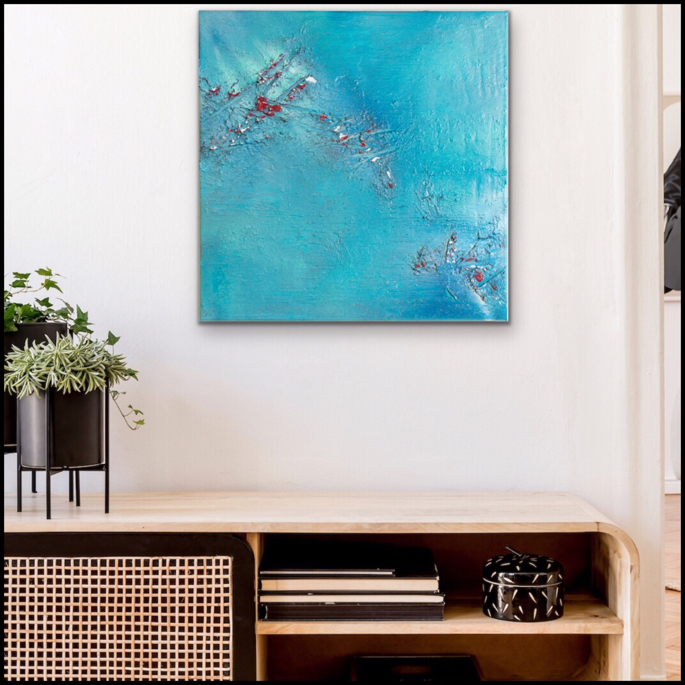Blauw abstract schilderij met structuur en witte en rode toetsen